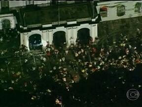 Sede da prefeitura de Belém é atacada por manifestantes - Assim como em 13 capitais do país, em Belém também houve confusão no início da noite. O prefeito da cidade, Zenaldo Coutinho, foi tentar negociar com os manifestantes.