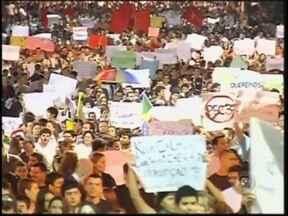 Manifestações reúnem 20 mil pessoas no Centro-Oeste Paulista - Quatro das mais importantes cidades da região Centro-Oeste Paulista receberam manifestações nesta quinta-feira (20). As reinvidicações seguem as pautas nacionais e pedem redução da tarifa do transporte e outras melhorias no país em diversos setores.