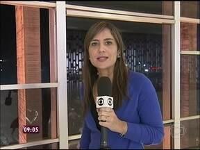 Repórter mostra destruição no Itamaraty, em Brasília, após protesto - Presidente Dilma convocou reunião de emergência para sexta-feira