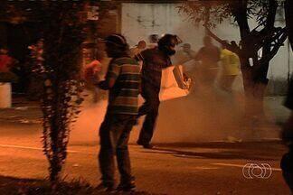Polícia quer garantir que manifestações sejam pacíficas em Goiás - Quatro pessoas continuam presas em Goiânia após o protesto da última quinta-feira (20). A polícia vai monitorar as manifestações que acontecem neste fim de semana e nos próximos dias nas cidades do interior de Goiás.
