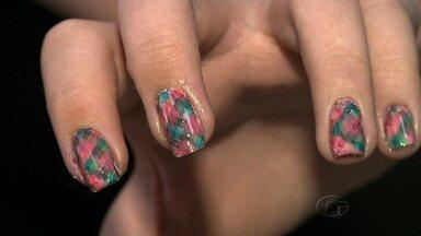 Veja dicas para decorar suas unhas para as festas juninas - Estilo junino não fica só nas roupas.