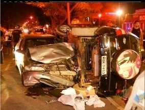 Perseguição termina em acidente em Campos dos Goytacazes, Norte Fluminense - Dois carros bateram de frente próximo ao antigo hipódromo da cidade.