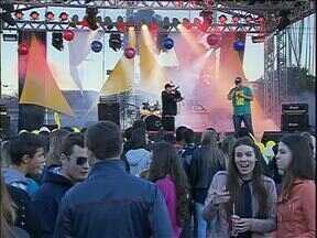 Católicos fazem contagem regressiva para a Jornada Mundial da Juventude - Hoje eles participaram de um festival de música.