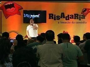 Festival Risadaria termina neste domingo (23) - Humoristas de várias gerações espalham bom humor em 15 endereços de São Paulo. O Festival Risadaria, que tem o apoio da Globo e reúne mais de 200 artistas tem uma única missão: fazer o público se divertir e rir.