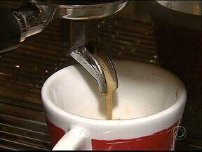 Cafeterias e Docerias mudam o perfil de quem apenas tomava um cafezinho - Espaços especializados em doces e cafés diferentes aumentam em Ponta Grossa