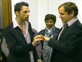 Realizado nesta sexta-feira em Uruguaiana, RS, o primeiro casamento homoafetivo - Cerimônia foi realizada no Cartório de Registros Civil da cidade.