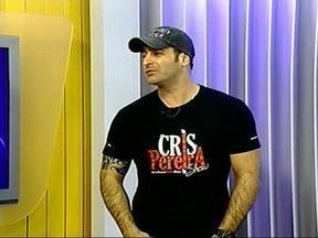 Ator e humorista Cris Pereira participa do Jornal do Almoço - Ele se apresenta neste sábado em Quaraí, RS, e no domingo em Uruguaiana, RS.