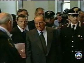 Justiça italiana condena Berlusconi por escândalo sexual - O ex-premiê foi acusado de pagar uma menor de idade para receber serviços sexual. Além da sentença de sete anos de prisão, ele pode ficar impossibilitado de assumir cargos públicos.