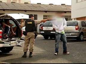 Sete pessoas são detidas suspeitas de explodirem caixa em Uberlândia, MG - Crime aconteceu nesta terça-feira (25), na Avenida Rondon Pacheco. Um menor de 17 anos é apontado como o líder do grupo.