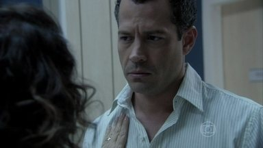 Bruno comenta com Ordália que Paloma está diferente - A enfermeira aconselha o filho a não pressionar a pediatra durante sua recuperação