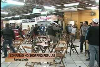 Confusão no Shopping Independência em Santa Maria - Um homem estaria importunando as pessoas na praça de aliementação