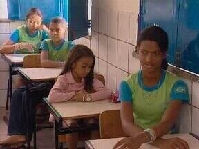 Programa de educação anti-drogas orienta crianças em escolas públicas - A proposta é munir os estudantes de informações para evitar que eles entrem nesses mundo