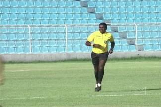 Ranilton Oliveira quer apitar jogos importantes no Campeonato Brasileiro - Árbitro de Imperatriz é um dos três maranhenses no quadro de arbitragem da CBF e já apitou jogos da Copa do Nordeste e da Série D em 2013