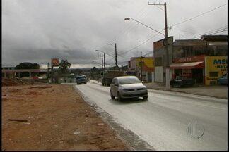 Cinco carros são roubados em uma noite em Suzano - Os roubos de cinco carros assustaram os moradores de dois bairros de Suzano. Os crimes foram na noite de segunda (8) e na madrugada desta terça (9). Nenhum suspeito foi preso.