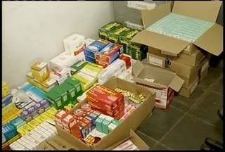Duas pessoas foram presas com medicamentos sem nota fiscal na BR-135 - Com elas a polícia encontrou centenas de remédios de uso controlado, além de cosméticos.