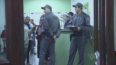 Gestantes na maternidade de São Vicente reclamam do atendimento no hospital - Uma criança nasceu morta nesta segunda-feira e a família diz que houve muita demora para fazer o parto