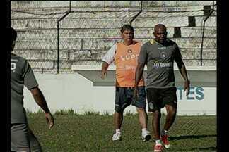 São Caetano treina em Belém antes de enfrentar o Paysandu - Técnico Marcelo Veiga revela que atacantes bicolores Iarley e Careca receberão marcação especial durante o confronto, que acontece nesta terça-feira, a partir das 19h (de Brasília), na Curuzu.