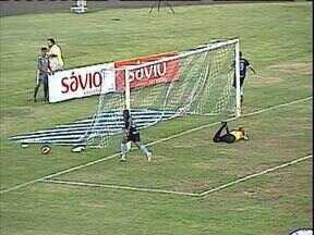 Novatos mostram serviço no Londrina - Os novos reforços agradaram a torcida e o time.