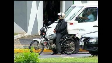 Motoboys de Resende, RJ, ainda não se adequaram à nova Lei de Motos - Legislação está em vigor desde o dia 2 de fevereiro.