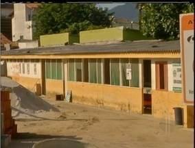 Fórum de Arraial do Cabo, RJ, terá licitação para obra pela terceira vez - Por enquanto Justiça ocupa prédio que seria destinado à escola.OAB acompanha o impasse da construção e pediu uma inspeção no canteiro de obras.