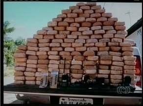 Cerca de 160 quilos de pasta base apreendidos pela Polícia Federal vieram da Bolívia - Cerca de 160 quilos de pasta base apreendidos pela Polícia Federal vieram da Bolívia. Material é usado na fabricação de drogas.