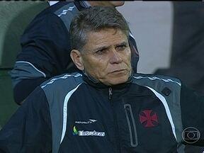 Paulo Autuori não é mais técnico do Vasco - Ele disse que pediu demissão do clube carioca porque dívidas salariais de jogadores e funcionários não foram quitadas. O Vasco ainda não anunciou o substituto.