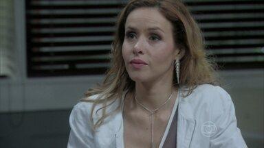 Glauce responsabiliza o hospital pela morte de Luana - A médica ainda insinua que Paulinha foi trocada na maternidade