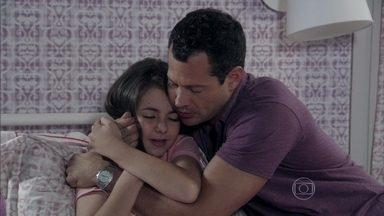 Bruno tranquiliza Paulinha - Paloma chora ao ver a sintonia entre os dois