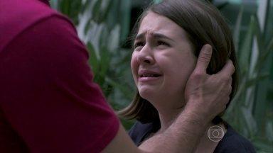 Paulinha pede para ir embora da casa de Paloma - Ninho tenta se desculpar com a menina
