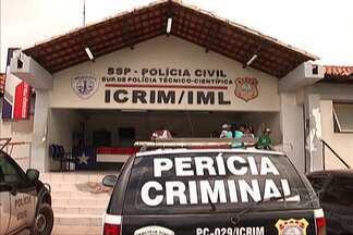 Identificado o corpo do homem encontrado esquartejado dentro de uma mala, em São Luís - A Polícia Civil e o Instituto Médico Legal (IML) confirmaram, no início da tarde, que o corpo achado no Monte Castelo, é do operário Francisco João de Sousa, de trinta anos, desaparecido desde sexta- feira (19).