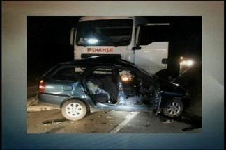 Uma pessoa morre em um acidente na BR 392 - Carro foi atingido por um caminhão em cima da rodovia
