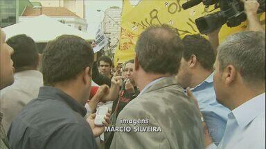 Prefeitura de Campinas tenta identificar pessoa que agrediu prefeitu nesta segunda (22) - Prefeitura de Campinas tenta identificar pessoa que agrediu prefeitu nesta segunda (22).