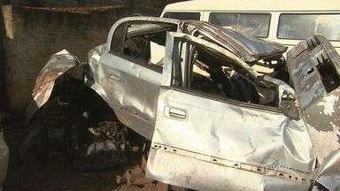 Polícia apura causas de acidente que matou três pessoas em Morro Agudo, SP - Jovens de Pontal morreram na Rodovia Altino Arantes.