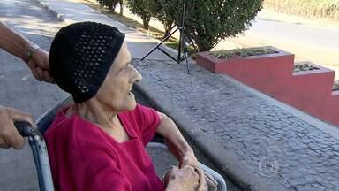 Após tentar atendimento em posto de sáude, mulher morre a caminho de hospital - Moradores reclamam da falta de médico em Santa Luzia