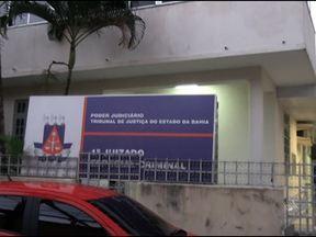 Juizado Especial Criminal é arrombado no bairro de Nazaré, em Salvador - Apesar do arrombamento, nada foi levado do local. O juizado não vai funcionar nessa terça-feira.