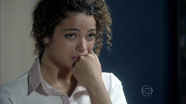 Inaiá conta para Lutero que foi demitida - O médico fica intrigado e pede explicações para Félix sobre a demissão da enfermeira