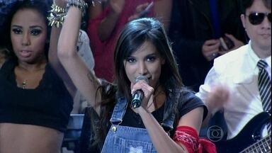 Anitta agita o público com 'Show das poderosas' - Cantora se apresenta pela primeira vez no Altas Horas
