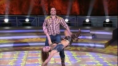 Daniel Boaventura e Juliana Valcézia se apresentam ao som de 'Festa de rodeio' - Veja a coreografia da dupla que quer voltar para a disputa do Domingão