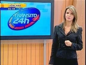 Acidente envolve três caminhões em Tijucas - Acidente envolve três caminhões em Tijucas; um dos veículos pegou fogo.