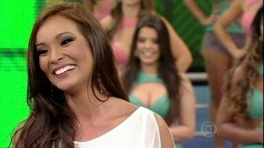 Carol Nakamura conhece os Jogos Rurais - A assistente de palco viajou para o interior do Paraná