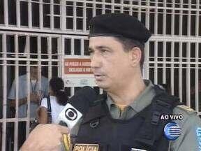 Acidente na PI-130 deixa cinco pessoas feridas em Nazária - Colisão entre caçamba e saveiro deixou vítimas presas nas ferragens.Motorista do caminhão fugiu do local após acidente, disse comandante.