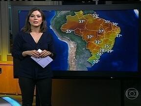 Previsão de chuva e ventos fortes para a Região Sul do Brasil - Além da chuva abundante e do vento, pode ter granizo do oeste do Paraná ao norte do Rio Grande do Sul. O dia também, será chuvoso no Recôncavo Baiano.
