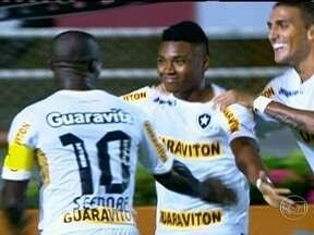 Botafogo aposta nos talentos da categoria de base para seguir na liderança do Brasileirão - Vitinho, Dória, Gabriel e Gilberto tem ajudado o time a manter a boa fase na competição.