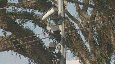 Câmeras de segurança instaladas não funcionam nas cidades de Mogi Mirim e Valinhos - A falta de segurança em cidades, sejam elas grandes ou pequenas, é a maior preocupação dos moradores. Em grande parte dos municípios da região as câmeras simplesmente não funcionam mais.
