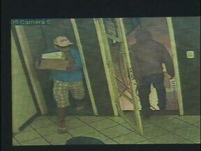 Homem é baleado durante assalto a uma metalurgica em Foz do Iguaçu - O funcionário da empresa foi baleado no pescoço.