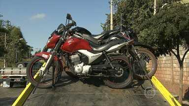 Novas regras para exercer profissão de motofretista entram em vigor em setembro - Legislação vai valer para todo o país.