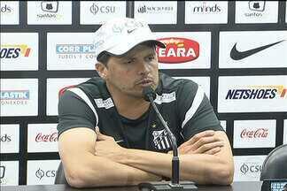 Antes do clássico, Santos faz treino fechado no CT Rei Pelé - Técnico Claudinei disse que fez experiências e testes na equipe. Deve pintar mudança no time que enfrenta o Corinthians.