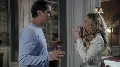 Eron se afasta de Amarilys e diz que não vai trair Niko - Ela fica constrangida com a situação e diz que ficou com a impressão de que o advogado ainda sente atração por mulheres