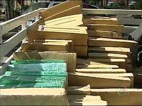 Polícia apreende mais de meia tonelada de maconha em Quadra - Mais de meia tonelada de maconha foi encontrada num carro na Rodovia Castello Branco, perto de Quadra.