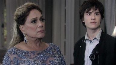 Pilar questiona amizade de Félix com Thales - Ela se arrepende por ter apresentado Leila a Nicole